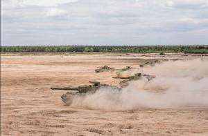 Генеральный секретарь НАТО и союзные министры наблюдали за Ударными силами в действии