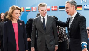 НАТО приветствует Черногорию через свою открытую дверь