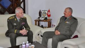 Председатель военного Комитета НАТО посетил Тунис