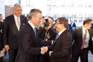 Генсек НАТО встретился с премьер-министр Турции Ахмет Давутоглу