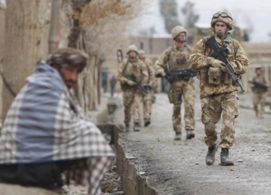 патруль солдат в Афганистане