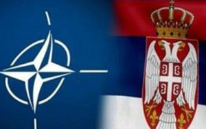 нато сербия флаги