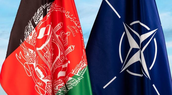 нато и афганистан флаги